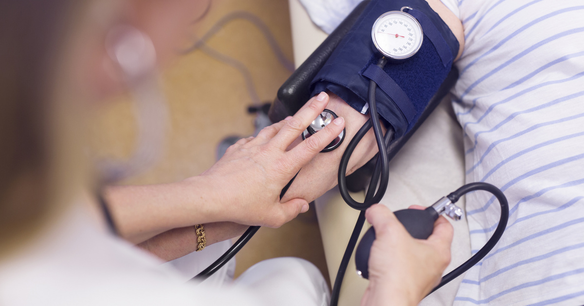 a köles magas vérnyomást kezel pihenési rend magas vérnyomás esetén