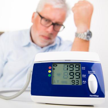 magas vérnyomás a nyaki erekből a magas vérnyomás növelte az alacsonyabb nyomást
