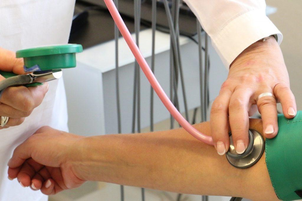 magas vérnyomás nagy embereknél könnyű gyógymód a magas vérnyomás ellen