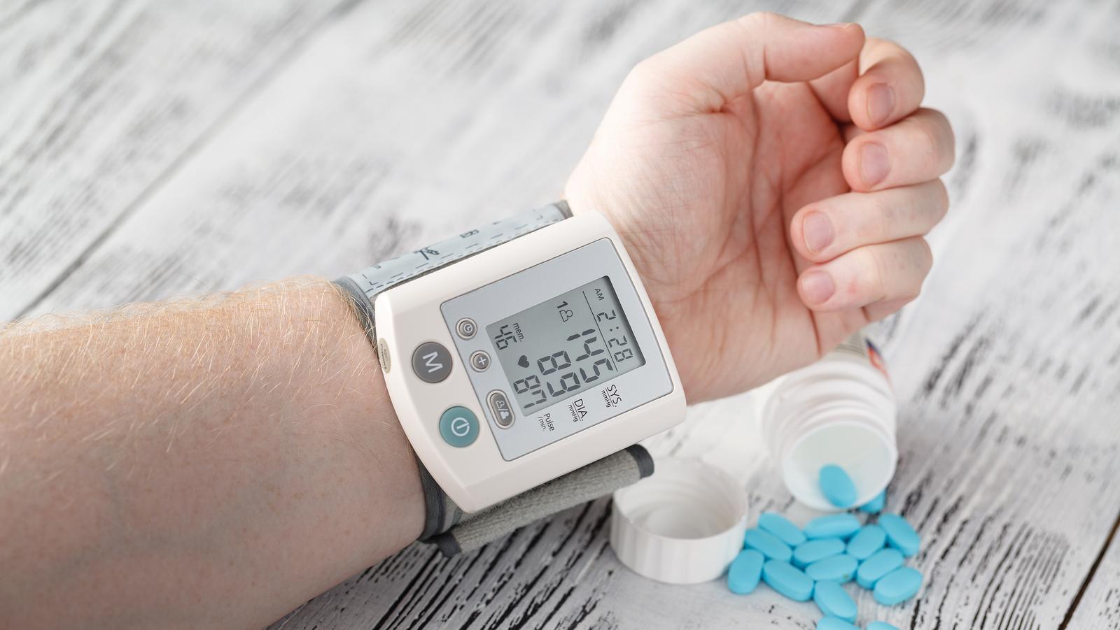 magas vérnyomás a femostonból egy magas vérnyomás és szívritmuszavar elleni gyógyszer