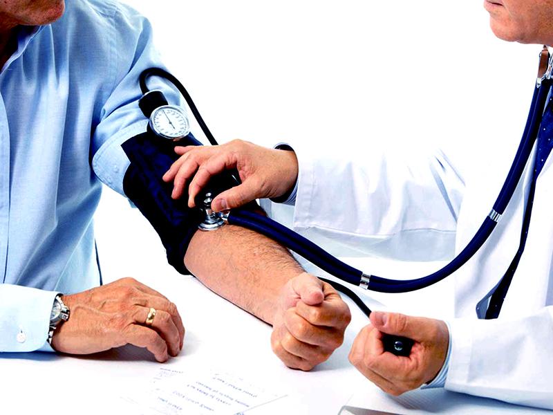 hogyan kell viselkedni magas vérnyomás esetén