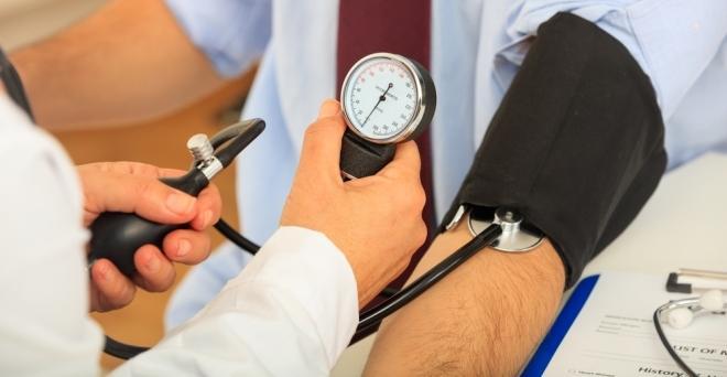 magas vérnyomás az időskori kezelés során