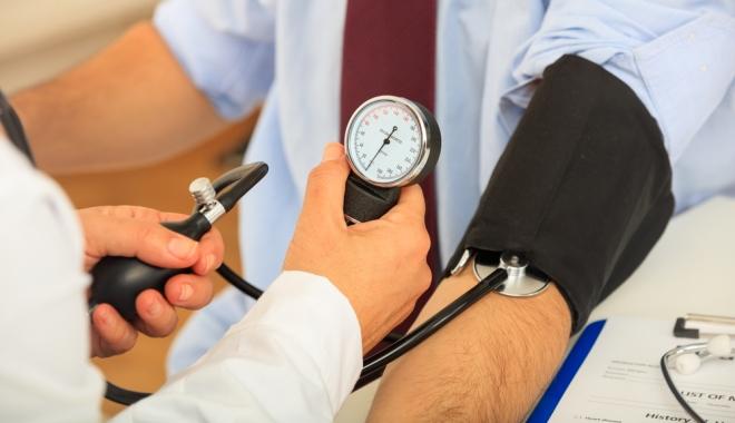 magas vérnyomás fiataloknál népi kezelés milyen ételeket lehet és nem lehet enni magas vérnyomás esetén