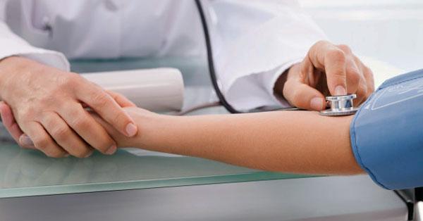 A fogyatékosság a 3 stádiumú magas vérnyomás miatt következik be