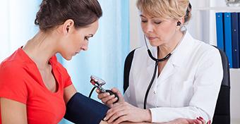 fájdalom a templomban magas vérnyomás esetén mennyi a magas vérnyomás mértéke