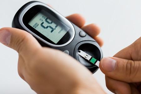 magas vérnyomás kezelése 2 fok mi van a szemgolyóban magas vérnyomás esetén