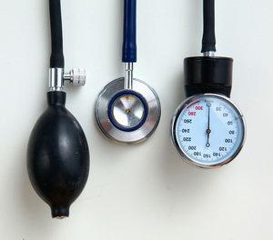 hipertónia szimpato-mellékvese válságokkal a magas vérnyomást a 2 frakcióval kezelje